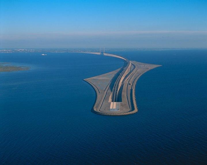 tunnel-bridge-oresund-link-artificial-island-sweden-denmark-10