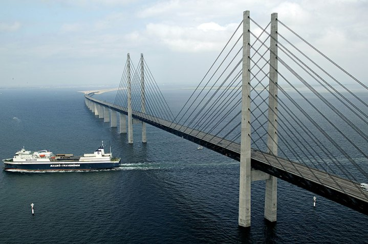tunnel-bridge-oresund-link-artificial-island-sweden-denmark-4