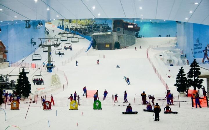 ski-dubai-indoor-ski-lodge-slopes-weird-sports-venues