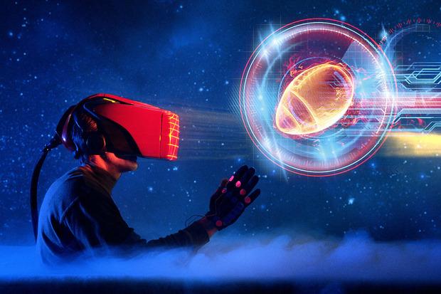 virtual_reality_football_headset_gloves_primary-100602296-primary.idge