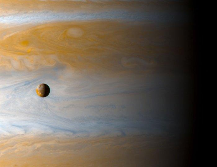 io-moon-over-jupiter-9.jpg